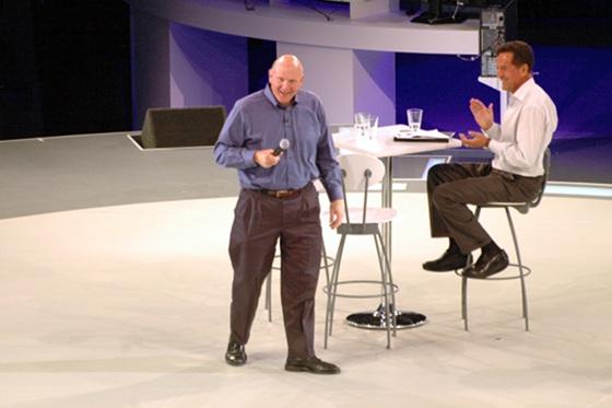 Steve Ballmer a színpadon (Fotó: IT café)